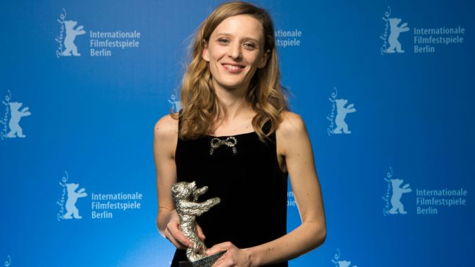 Mia Hansen-Løve wins the Silver Bear at the Berlin Film Festival